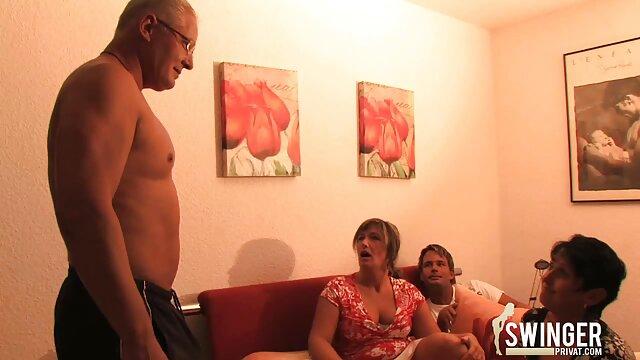 Lesbianas calientes sexo español latino complaciendo sus coños mojados