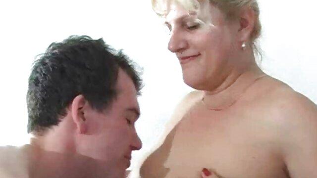 Masaje sexo en español latino xxx de vagina de chica caliente